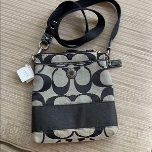 Coach handbag, never used, perfect size